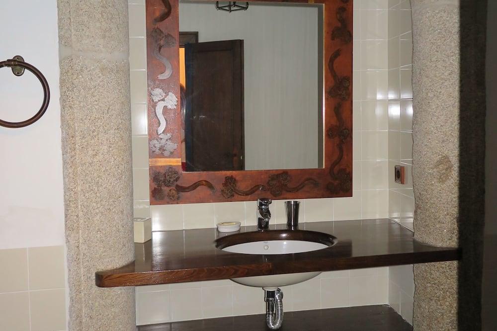 Habitación doble - Lavabo en el baño