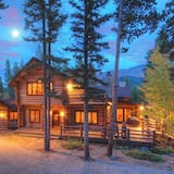 Bear Lodge Blue River Area by Pinnacle Lodging