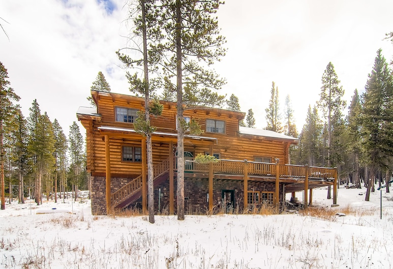 Snowshoe Retreat Boreas Pass by Pinnacle Lodging, Breckenridge, Front of property