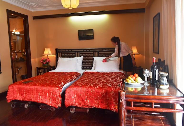 Hotel Garden Queen, Hanoi, Deluxe Double or Twin Room, City View, Lakeside, Guest Room