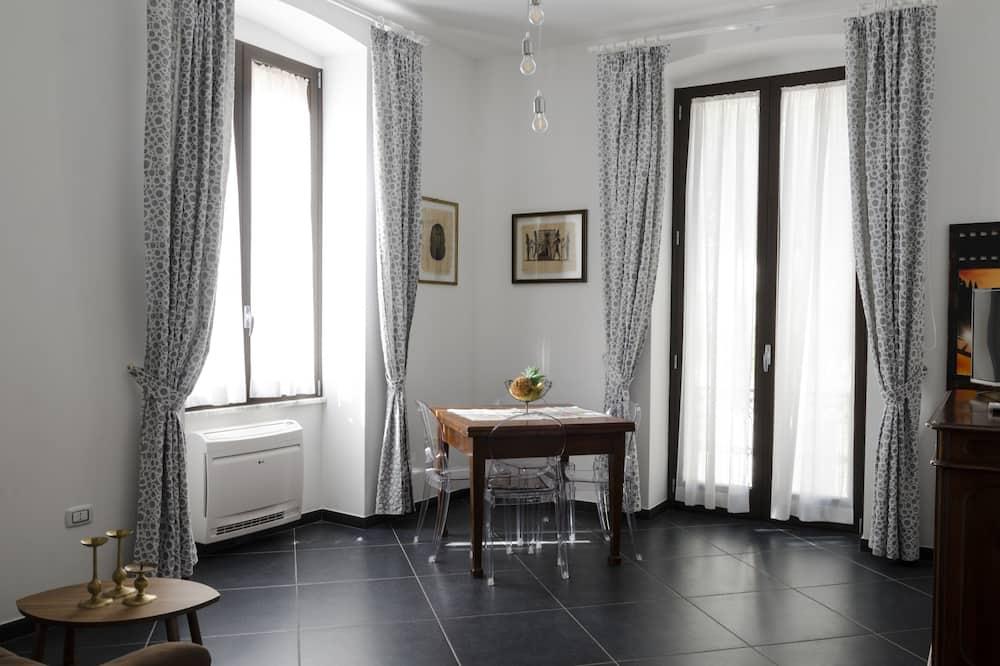 Superior-Apartment, Balkon - Wohnzimmer