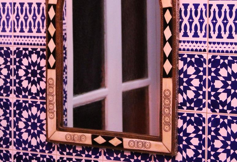 Riad Meftaha, Rabāta, Komforta divvietīgs numurs, 1 divguļamā karalienes gulta, Viesu numurs
