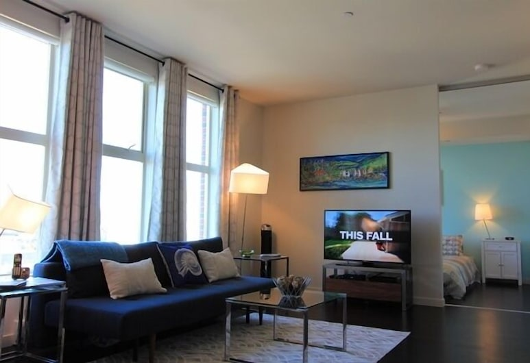 The Herald by Victoria Royal Vacations, Victoria, Condo, 1 Bedroom, City View, Living Area