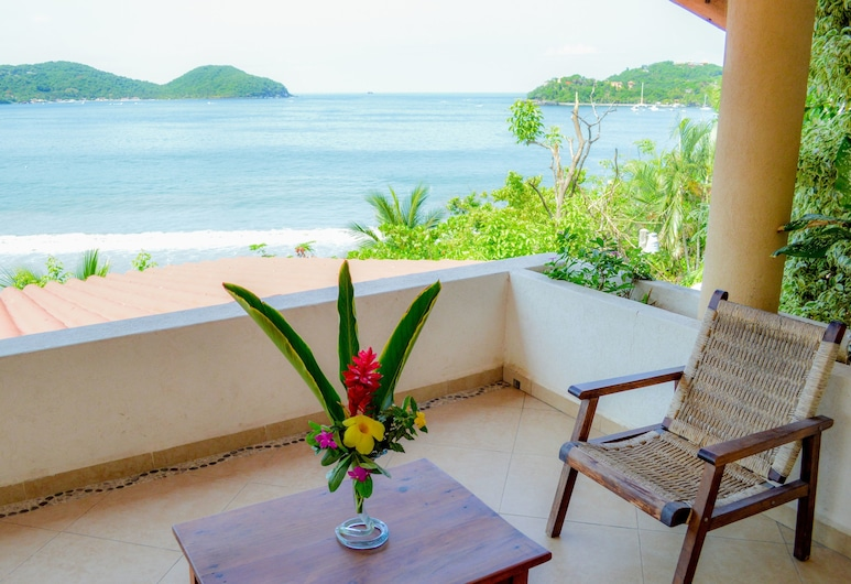 Bungalows La Madera, Zihuatanejo, Premium Studio Suite, 1 Bedroom, Kitchen, Ocean View, Terrace/Patio