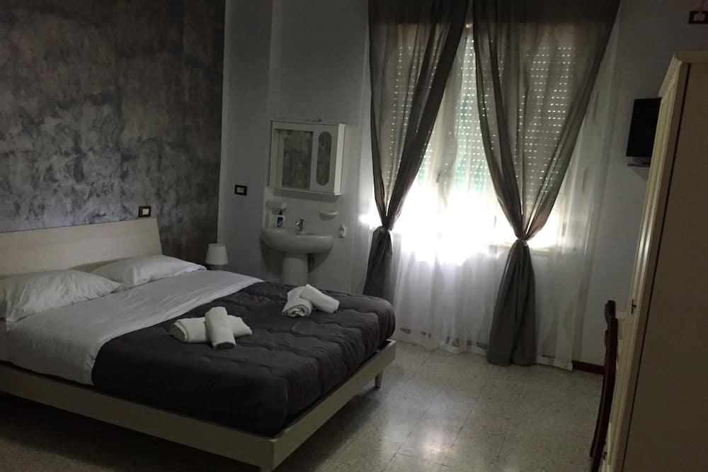 Standard - kahden hengen huone, Makuuhuoneen yhteydessä oleva kylpyhuone - Vierashuone