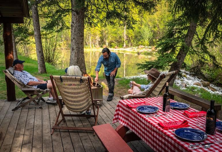 Moose Creek Ranch, ויקטור