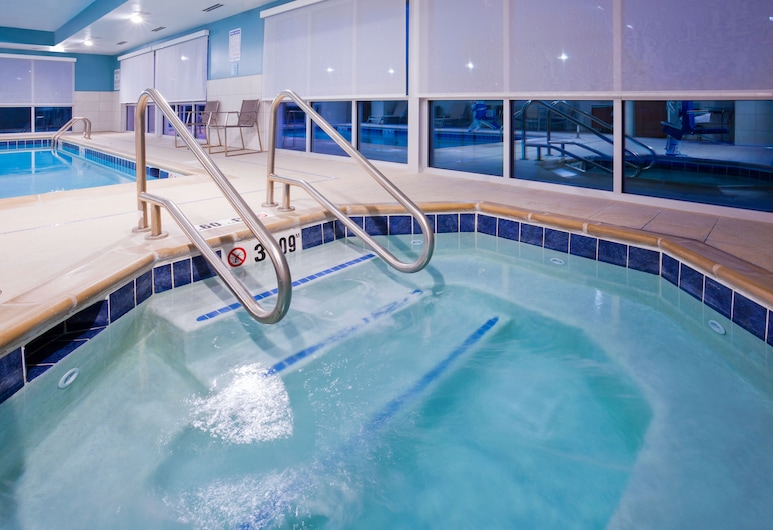 Holiday Inn Express & Suites Des Moines Downtown, an IHG Hotel, Des Moines, Pool