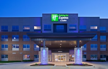 Enter your dates to get the Des Moines hotel deal