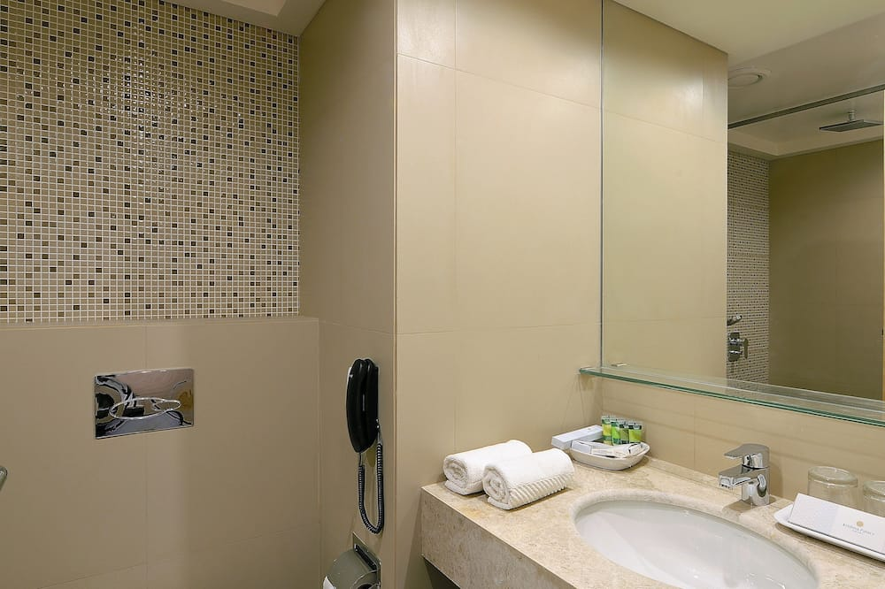 Apartmán, 1 extra veľké dvojlôžko - Kúpeľňa