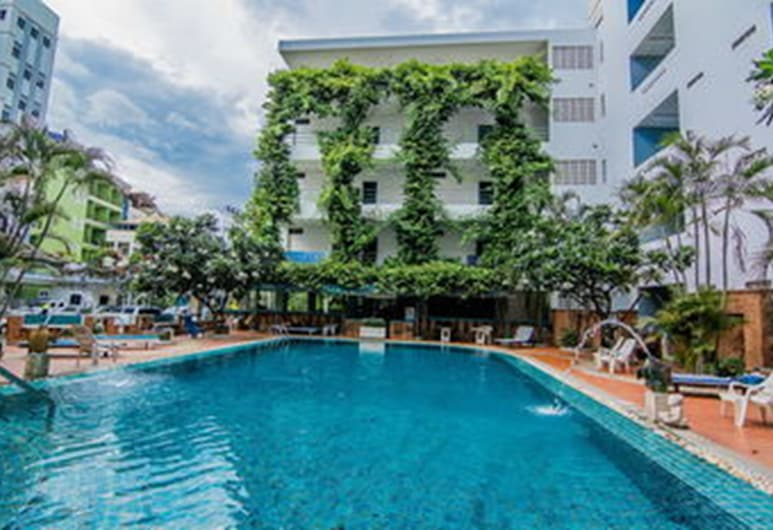 Sutus Court 2, Pattaya, Pool