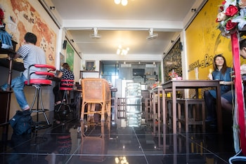 Choose This 2 Star Hotel In Phuket