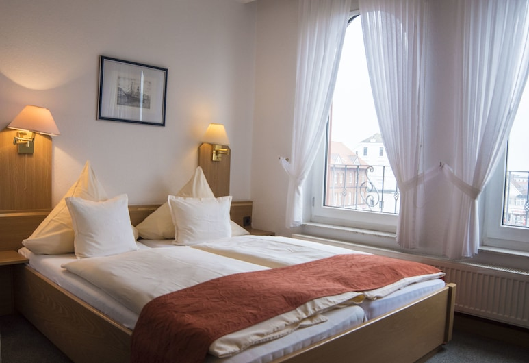 Villa Ems, בורקום, חדר סטנדרט זוגי, מיטה זוגית, פונה לים, חדר אורחים