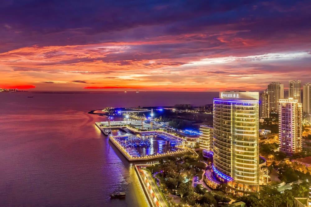 Hualuxe Hotels & Resorts Haikou Seaview - An IHG Hotel