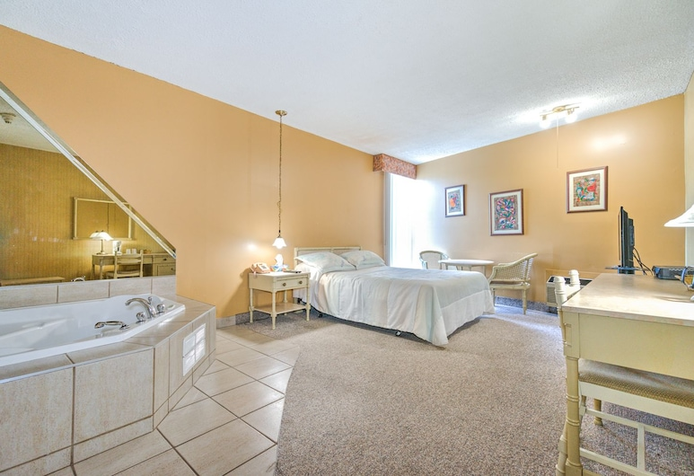 Hotel Motel Penn-Mass, Trois-Rivieres, Suite, 1 Queen Bed, Non Smoking, Jetted Tub, Guest Room