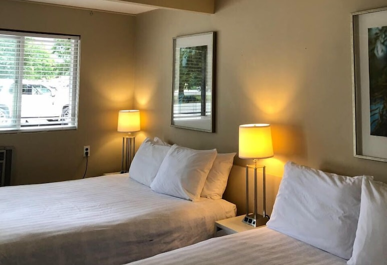 Pines Motel, Sicamous, Standard Double or Twin Room, Guest Room