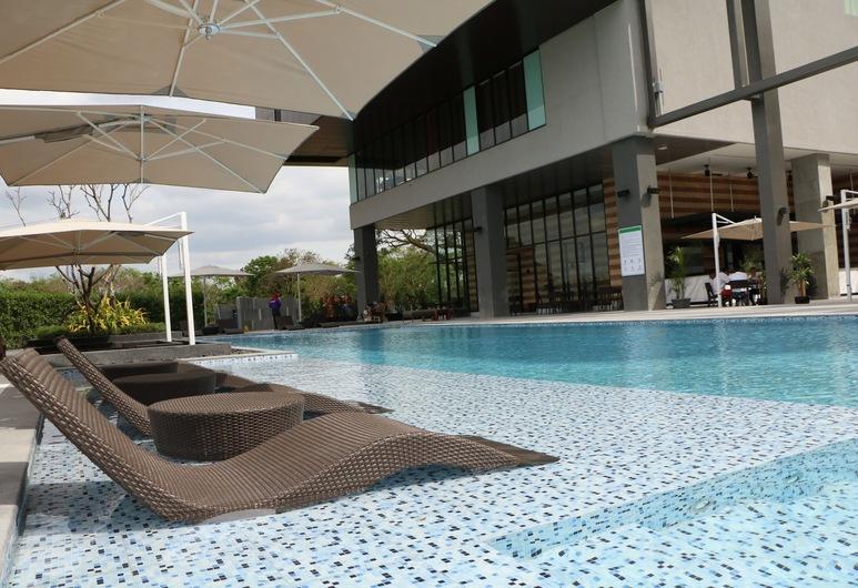 Midori Clark Hotel and Casino, Cidade de Mabalacat, Piscina