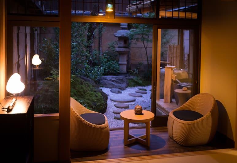 Nazuna Kyoto Nijo-jo (Cha no Yado Nazuna Nijo), Kyoto, Luxury Suite (45sqm) with open-air bath, ages 13+ only, Guest Room