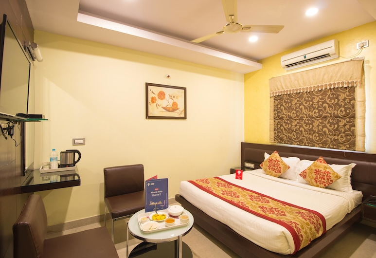 OYO 1421 Hotel Nirmal Excellency, Hyderabad, Standard Double or Twin Room, 1 Double Bed, Private Bathroom, Guest Room