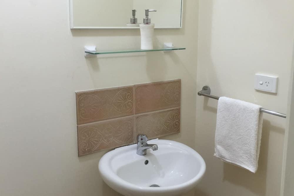 Superior-suite - 1 queensize-seng - privat badeværelse - stueetage - Badeværelse