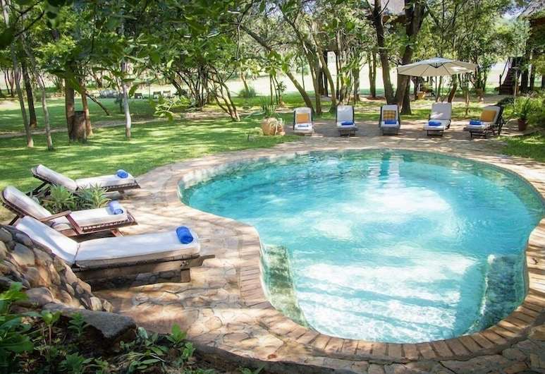 Ivory Lodge, Dete, Outdoor Pool