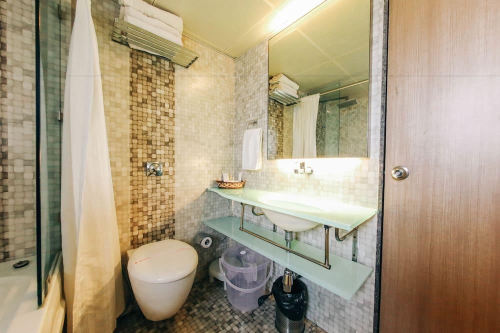 Розкішний номер, 1 спальня, для некурців, холодильник - Ванна кімната