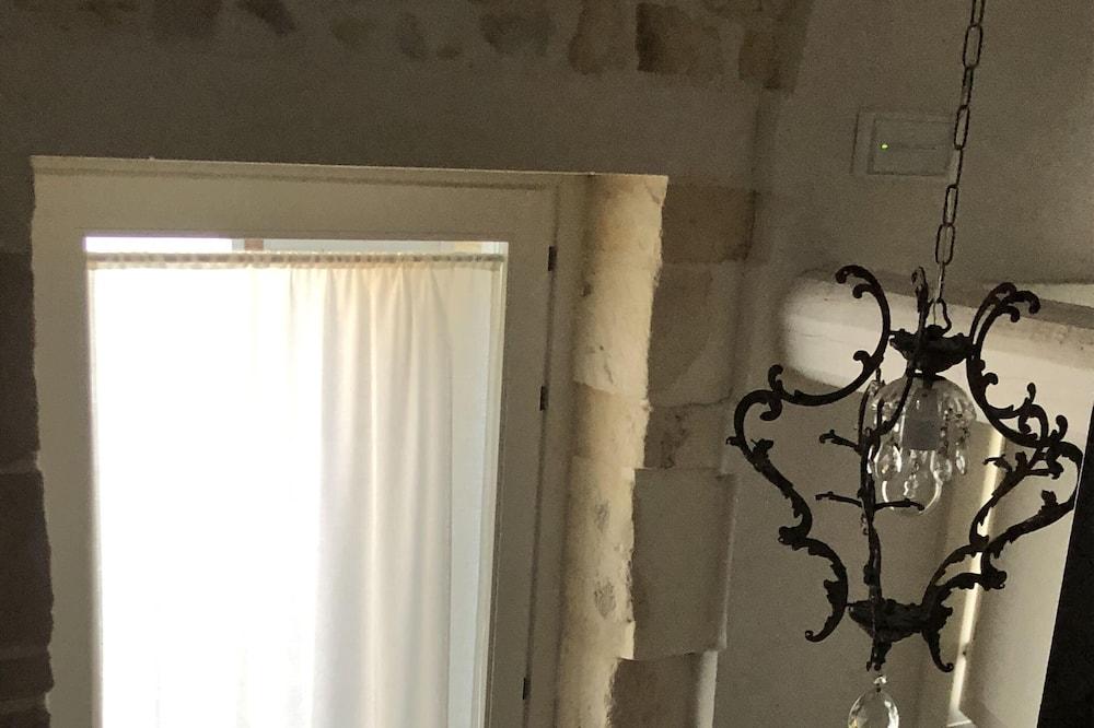 Luxusní studiové apartmá, 1 ložnice, nekuřácký, kuchyně - Obývací prostor
