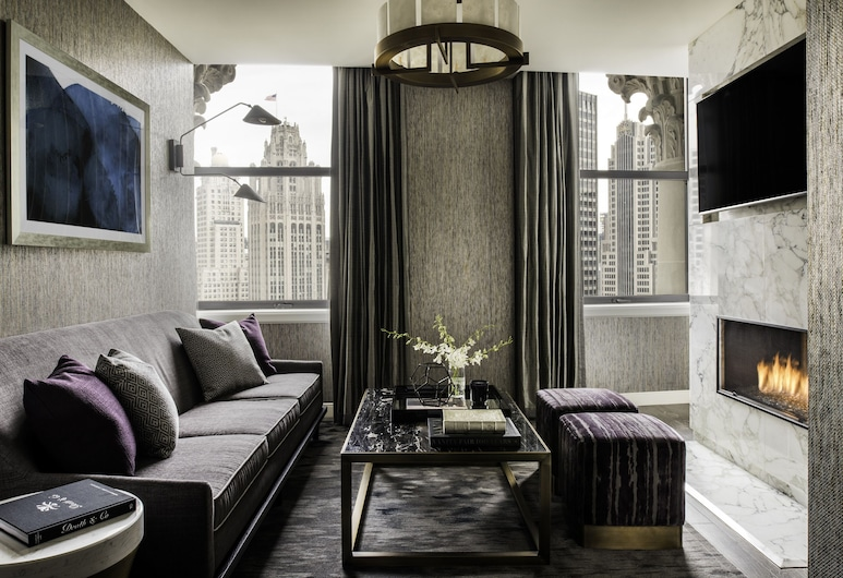 LondonHouse Chicago, Curio Collection by Hilton, Chicago, Presidential Suite, 1 King Bed, Accessible, Living Room