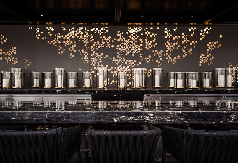 LondonHouse Chicago, Curio Collection by Hilton, Chicago, Bar dell'hotel