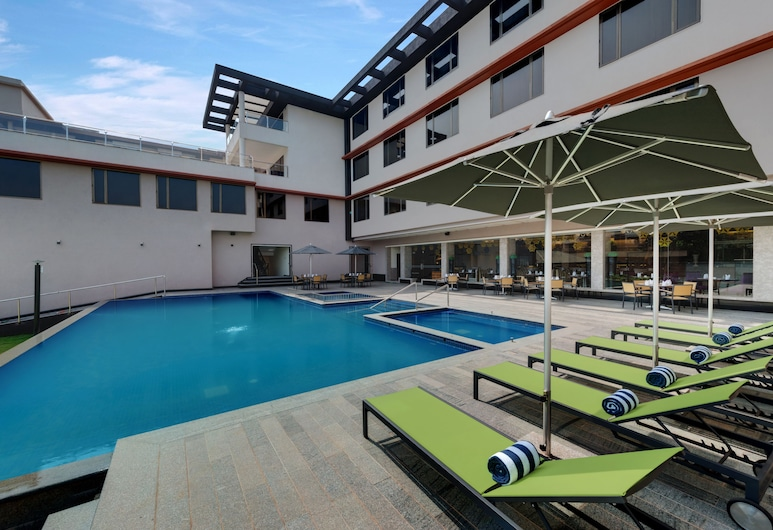 The Fern Kadamba Hotel and Spa, Velha Goa, Hồ bơi ngoài trời