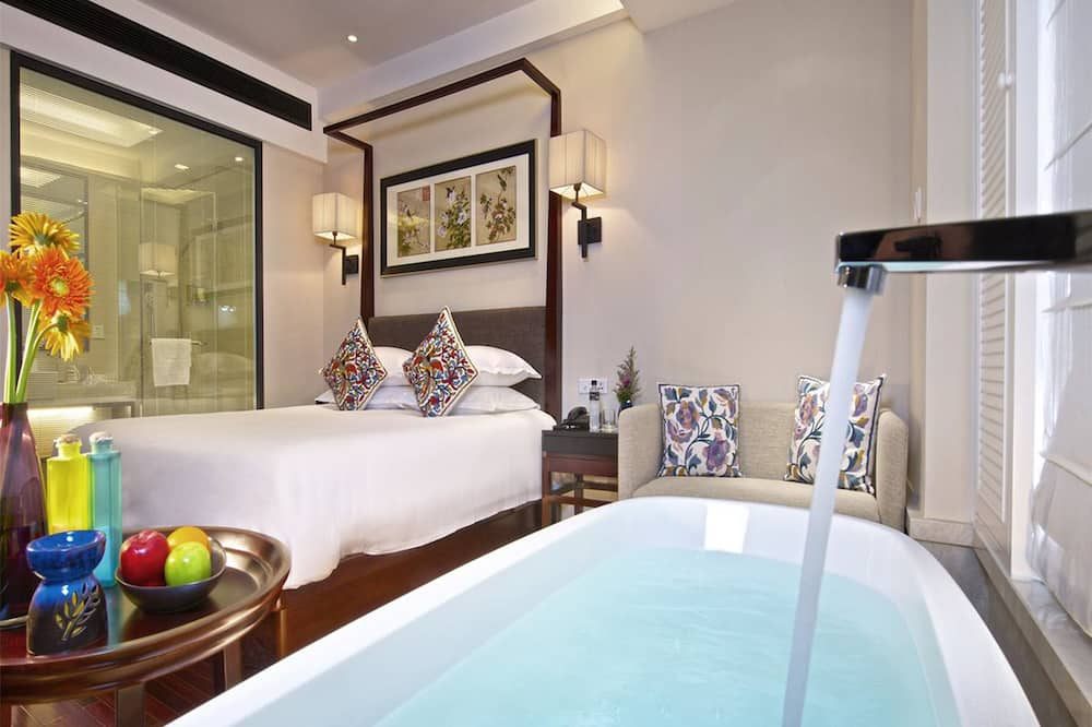 Executive King Room with City View - Bathroom