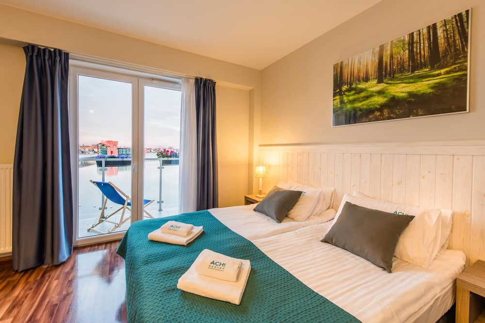 Двомісний номер (1 двоспальне або 2 односпальних ліжка), з видом на озеро - З видом на озеро