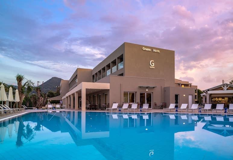 CNic Gemini Hotel, Corfu, Pool