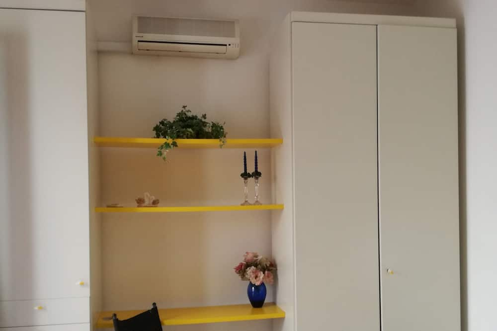 Standard Double or Twin Room, Balcony - Bathroom
