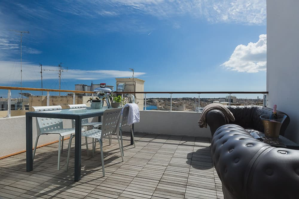 Двухместный номер с 1 двуспальной кроватью, вид на гавань (Grand Harbor Sky Villa) - Главное изображение