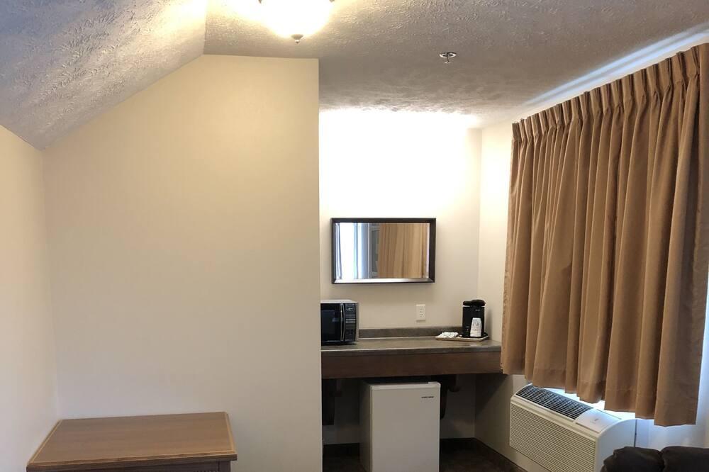Standardní pokoj, dvojlůžko (200 cm), nekuřácký, lednička a mikrovlnná trouba (Extended Stay) - Obývací prostor