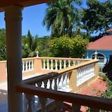 One Bedroom Apartment - Балкон