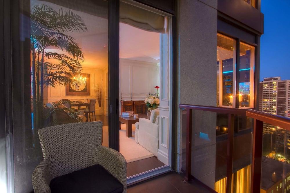 Two-Bedroom Suite (Kitchen, Balcony) - Balcony