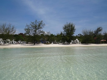 Enter your dates to get the Koh Rong Sanloem hotel deal