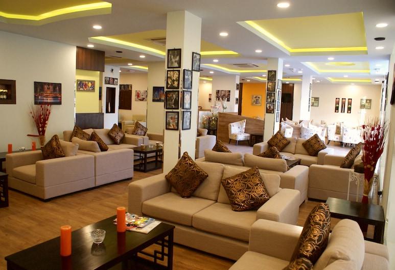 Weekend Hotel Apartments, Muscat, Lobby társalgó