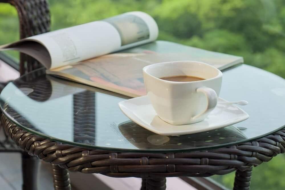 Deluxe-herbergi fyrir fjóra - útsýni yfir vatn - Svalir