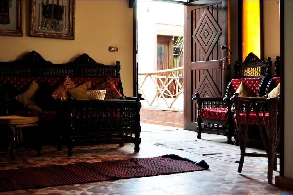 Phòng Suite, Quang cảnh sân vườn - Khu phòng khách