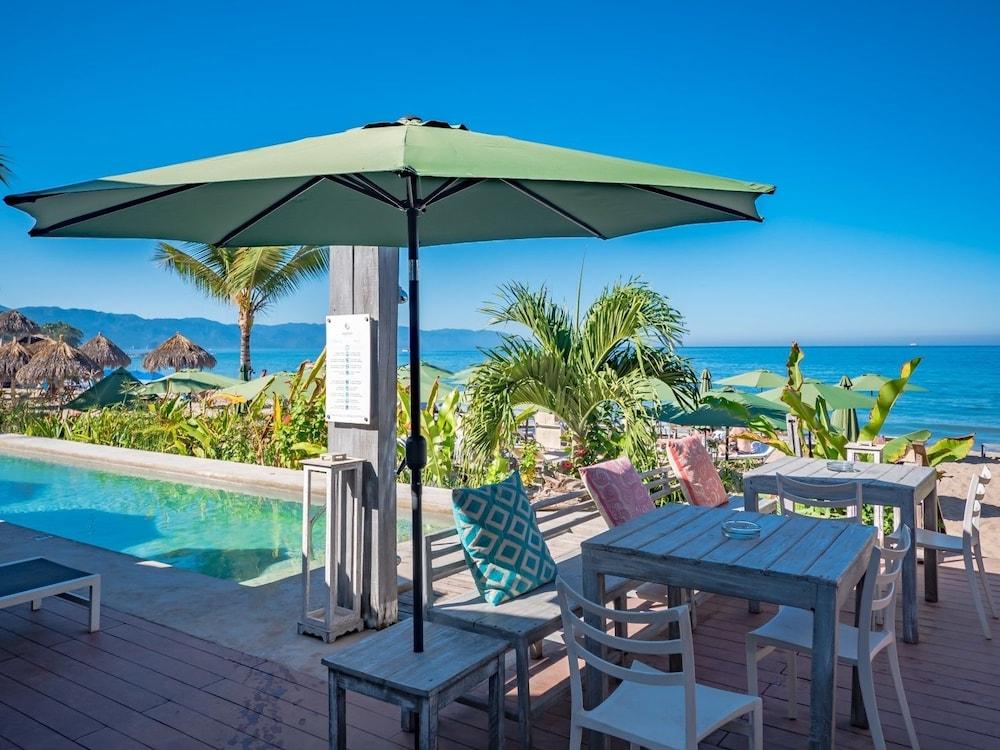 Suites At Sapphire Ocean Club, Puerto Vallarta, Beach
