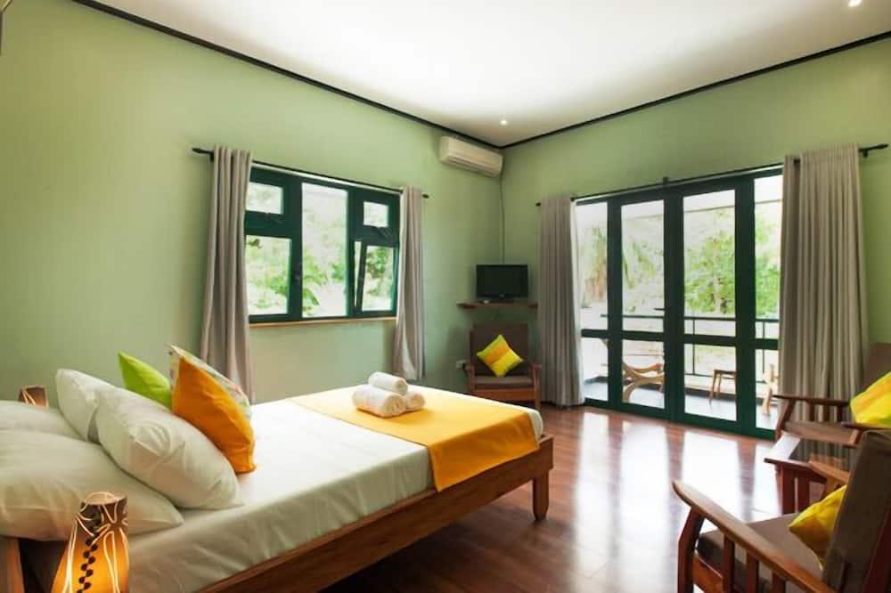 Deluxe Room, Sea Facing - Living Area