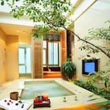 Deluxe Double Room - Indoor Spa Tub