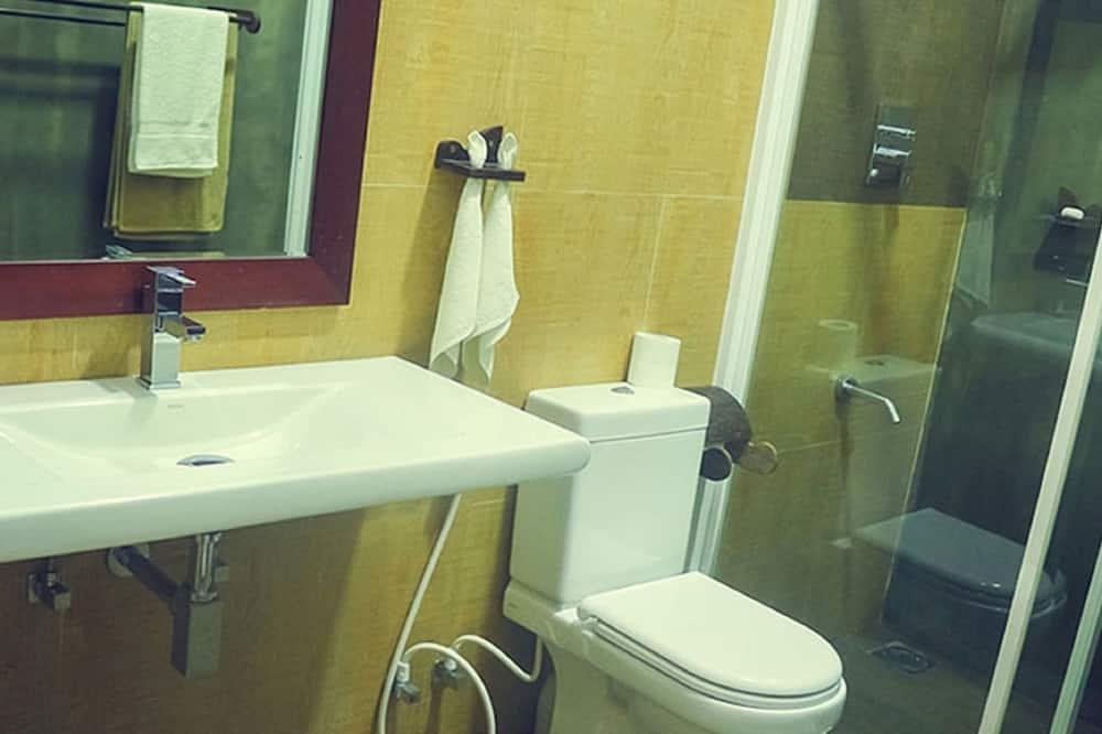 Chambre Familiale (Non AC) - Salle de bain