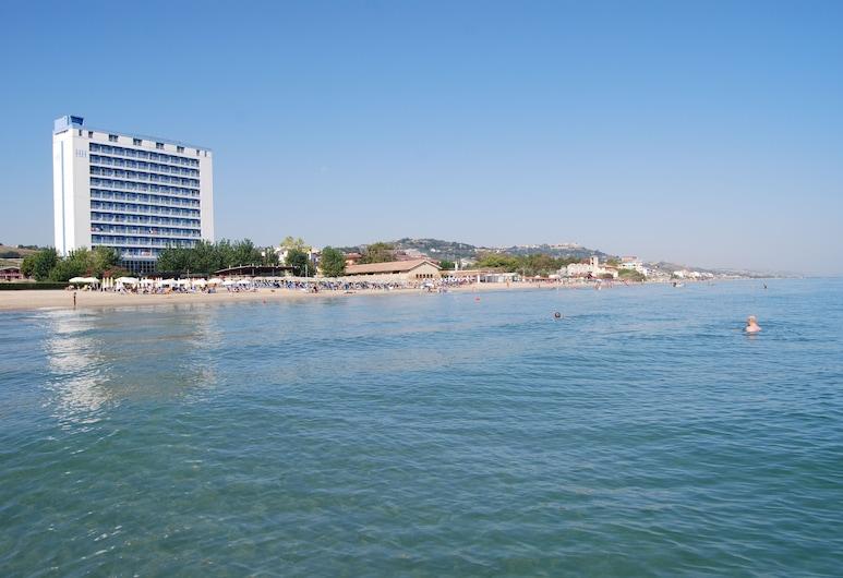 Hermitage Hotel Club & Spa, Silvi, Beach