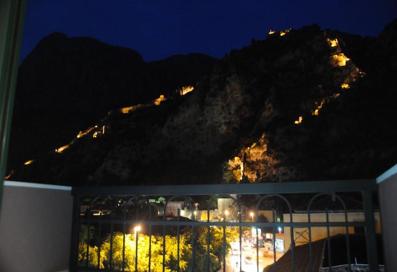 Porto In Hotel, Kotor, Superior kahetuba, rõduga, Vaade toast