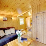 Double Room, Ensuite (Shower - Self Contained Cabin) - Living Area