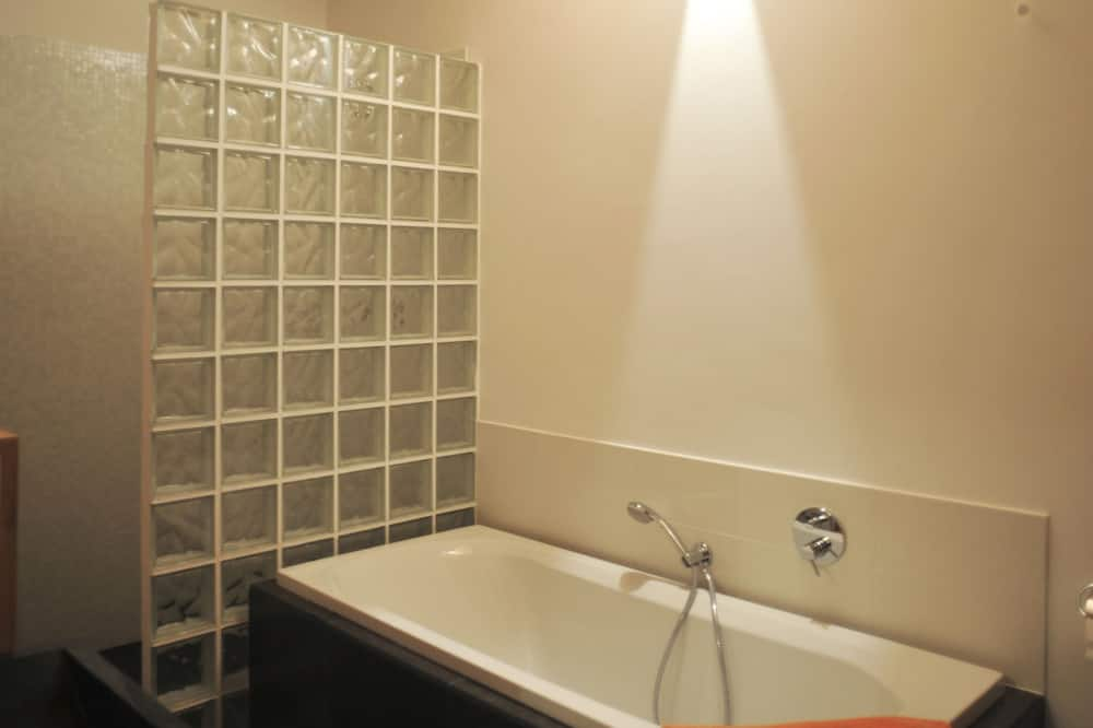 高級公寓, 多間臥室, 庭園景, 山旁 - 浴室