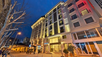Picture of Bisetun Hotel in Istanbul